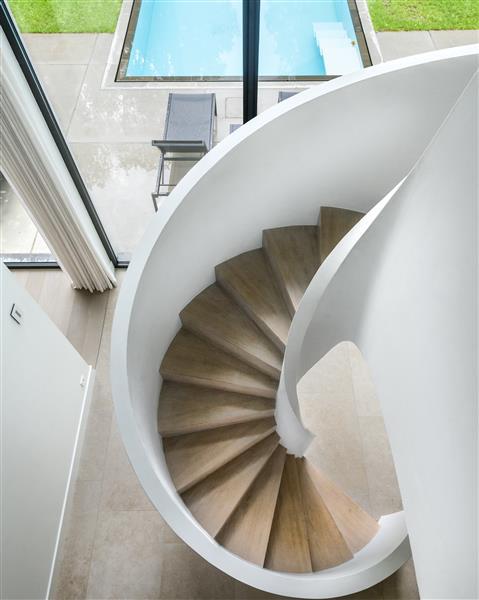 Massieve houten trappen jones living - Houten trapontwerp ...