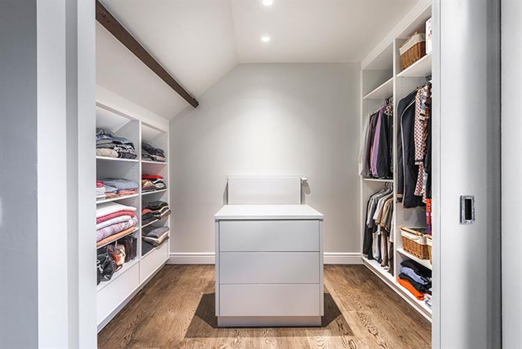 Totaalrenovatie Nijlen landelijke badkamer en dressing | Jones Living